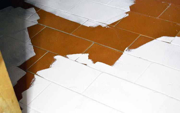 Consejos como pintar azulejos de ba os y cocinas - Pintura baldosas bano ...